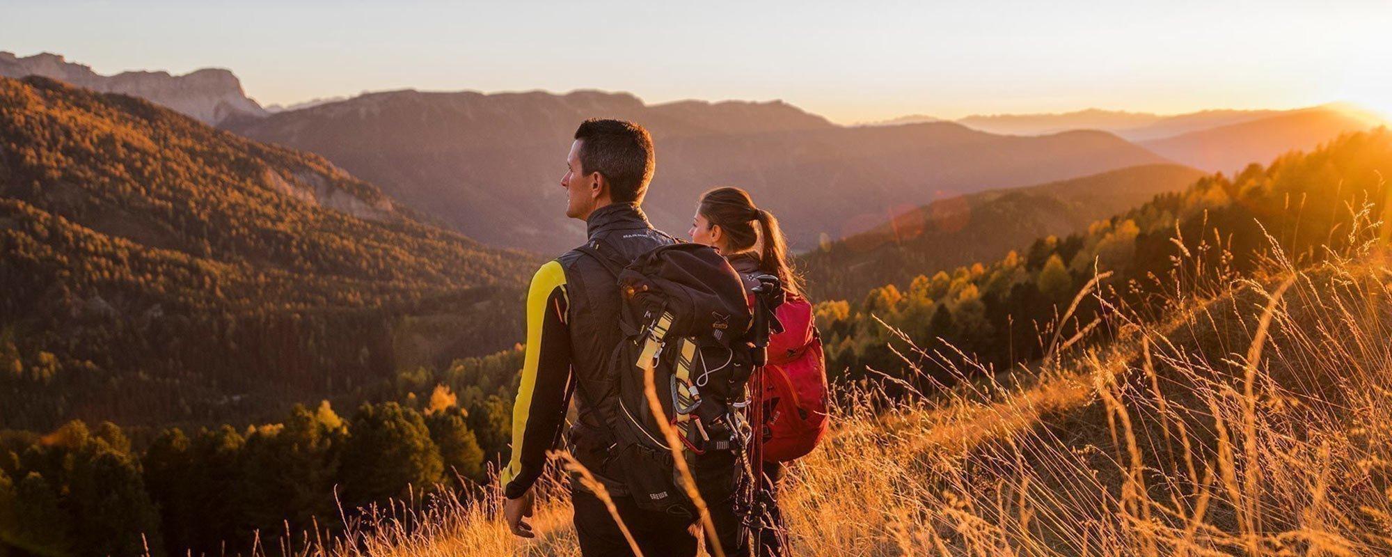 fantastisches Erlebnis in der bunten Herbstlandschaft der Dolomiten
