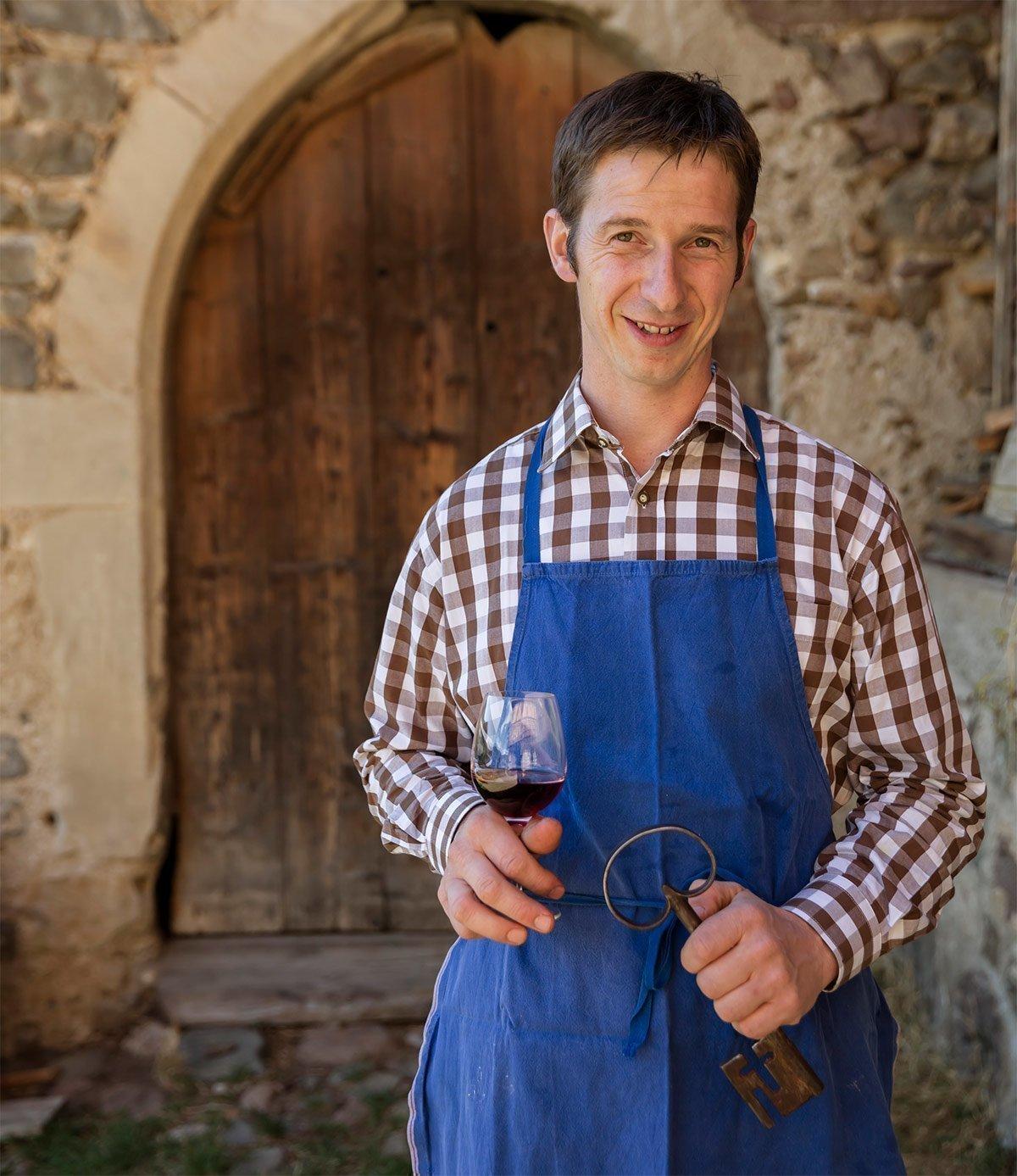 Bauer Markus selbst ist der Kellermeister und veredelt die Trauben zu feinsten Tropfen
